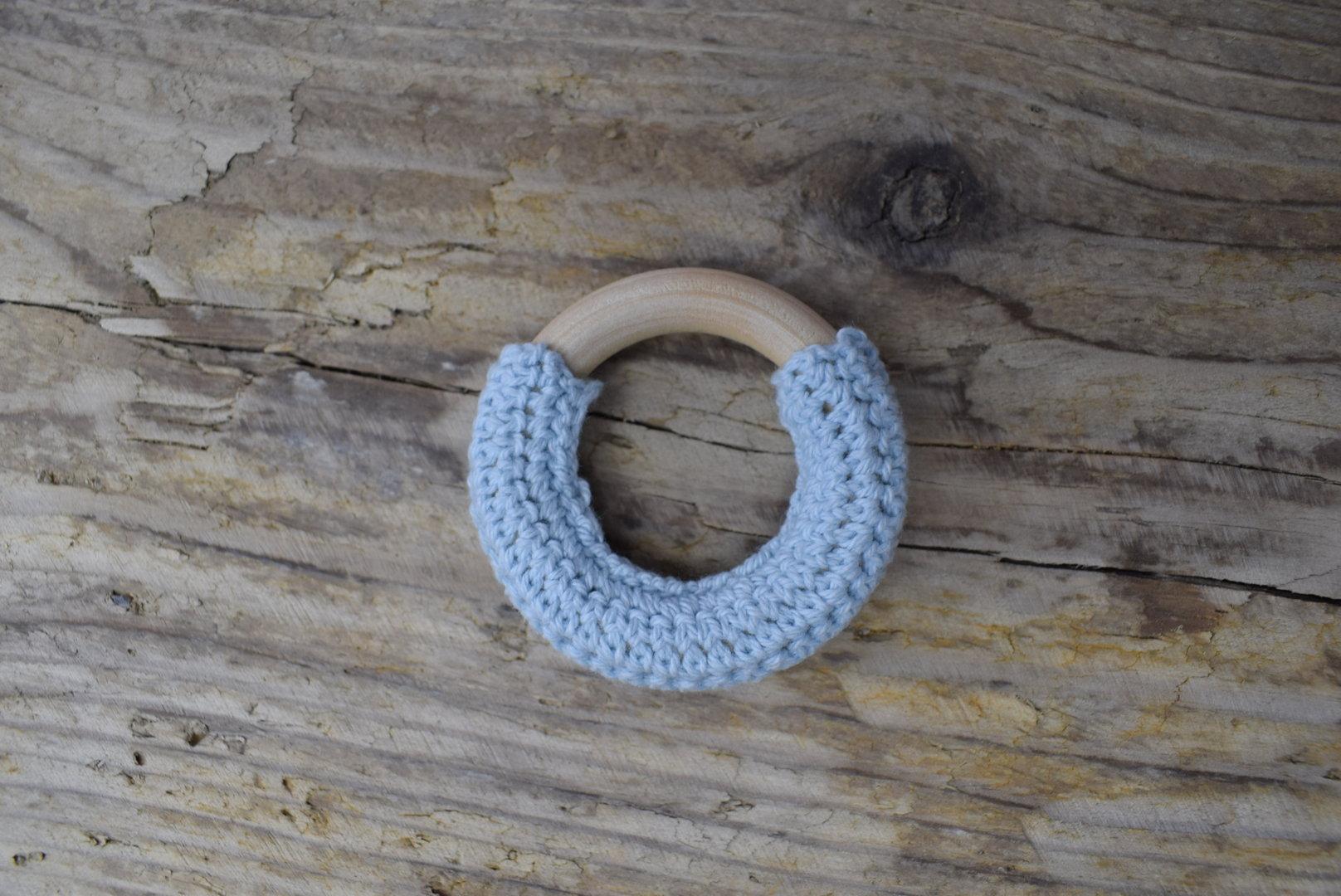 Crochet Holzring Pastellblau
