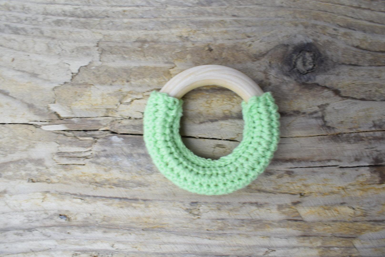 Crochet Holzring Hellgrün